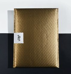 CMF we like / packaging Design / Bubble Foil / Pattern / Gold / at i am a dreamer