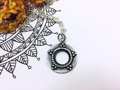 Silver Mandala Pendant. Mandala Necklace. Boho por PuntoPausa