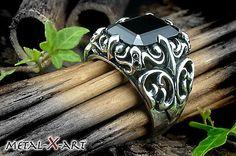 925 Sterling Silber, Schwerer Silber-Ring mit schwarzem  Cubic Zirkonia, Gothic