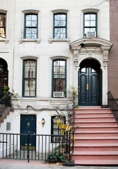 This could be several places but it mainly makes me think of the row houses on Capitol Hill where I hope I live my 2nd life  ::-0  DC  ...course it could be right here in old Louisville. :-)