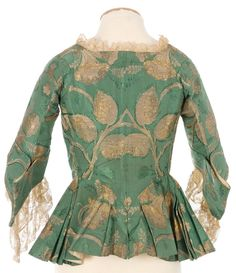 Jacket with winged cuffs, likely (mid century). Leaf pattern larger than I would expected, pretty shade of green. via Fripperies and Fobs. 18th Century Dress, 18th Century Costume, 18th Century Clothing, 18th Century Fashion, Antique Clothing, Historical Clothing, Historical Dress, Vintage Outfits, Vintage Fashion