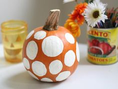 DIY Pumpkins Crafts : DIY: Polka Dot Painted Pumpkin DIY Fall Crafts DIY Halloween Decor