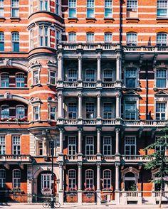 Chelsea Facade, #london # #ldn4all_sparkalicious - Follow my Snapchat!  meletis