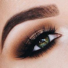 Stunning eye makeup for green eyes