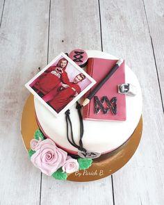 "Birthday cake for girl ""Marcus&Martinus cake 😊 love it ❤ Martinis, Birthday Cake Girls, Girl Cakes, Anastasia, Celebrity, Baking, Sweet, Party, Desserts"