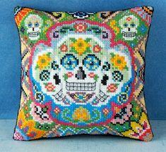 Sugar Skulls Mini Cushion Cross Stitch Kit por SheenaRogersDesigns