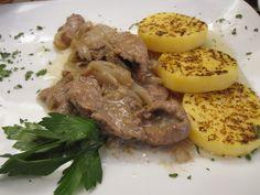 FIGÀ AEA VENESSIANA o #fegatoallavenezziana la nostra ricetta: http://macellerialacarne.it/index.php/fegato-alla-veneziana/ #gastronomia #rovigo #macelleria #ricette #ricettevenete