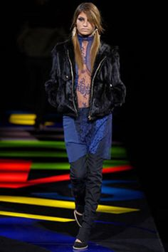 Versus Versace Fall 2002 Ready-to-Wear Collection - Vogue