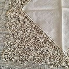 Antique-Tatted-Fine-Deep-Wide-lace-wedding-bridal-hanky-Circa-1900-NWOT