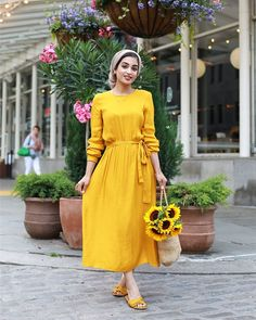 Image about dress in ✪Muslim girls✪ by K❁ on We Heart It Hijab hijab yellow Hijab Dress Party, Hijab Style Dress, Hijab Look, Hijab Chic, Hijab Outfit, Hijab Fashion Summer, Abaya Fashion, Muslim Fashion, Modest Fashion
