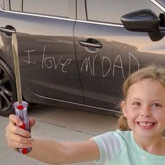 Parents snap evidence of their kids' messiest exploits Funny V, Funny Signs, Funny Memes, Hilarious, Jokes, Funny Stuff, I Love Daddy, Happy Fathers Day, Best Memes