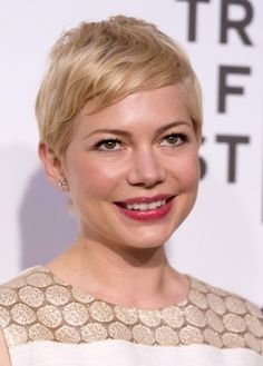 Hottest haircuts Michelle Williams in her chic pixie cut Bun Hairstyles For Long Hair, Latest Hairstyles, Braided Hairstyles, Layered Hairstyles, Funky Hairstyles, Popular Hairstyles, Hot Haircuts, Best Short Haircuts, Haircut Short