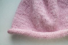 Knitting pattern for a classic Sylt beanie - Stricken Baby Sachen Knitting Blogs, Knitting For Beginners, Baby Knitting, Knitting Patterns, Knitted Headband, Knitted Hats, Decor Inspiration, Sewing Basics, Best Christmas Gifts