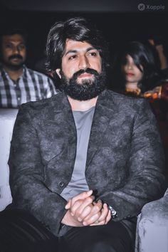 Yash (Kannada Actor) - Yash Ucominh movie is KGF which is produced by Farah Akhtar. Yash first debut movie is Jambada Hudugi Famous Indian Actors, Indian Celebrities, Bollywood Celebrities, Actors Male, Actors & Actresses, Sai Pallavi Hd Images, Vijay Actor, Sad Anime Girl, Film Images