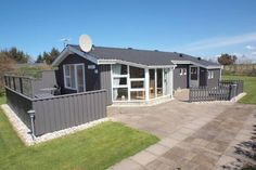 L�kken Holiday Home 147 L�kken Set in Furreby in the Nordjylland Region, this holiday home is 38 km from Aalborg. The unit is 49 km from Frederikshavn.  A TV and DVD player is featured. Other facilities at L?kken Holiday Home 147 include a terrace.