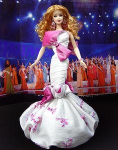 Miss Sanibel  2010 – Diseño de Georges Hobeika Primavera-verano 2009