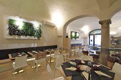 Green Restaurant - Italy - #verticalgarden www.sundaritalia.com