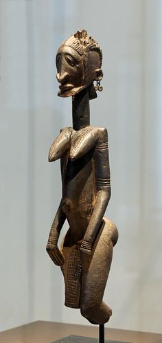 Figure d'ancêtre Dogon, XVIIe/XVIIIesiècle au pavillon des sessions, Musée du Louvre