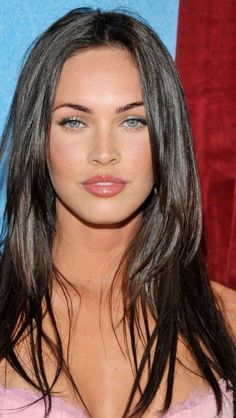 Well, she an undoubted beauty, in a certain fashion. She's not top diva like she projects. She otta relax and get real like Bryce Dallas Howard or Gal Gadot. Megan Fox Face, Megan Fox Hot, Megan Denise Fox, Megan Fox Eyebrows, Megan Fox Makeup, Megan Fox Style, Gorgeous Eyes, Pretty Eyes, Beautiful Celebrities