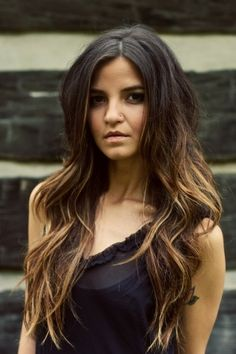 Hottest Ombre Hair Color Ideas for 2019 – (Short, Medium, Long Hair). Ombre hair has been ranked in women's hairstyle trends for a very long time. My Hairstyle, Pretty Hairstyles, Brown Hairstyles, Messy Hairstyles, 2015 Hairstyles, Hairstyle Ideas, Wedding Hairstyles, Woman Hairstyles, Stylish Hairstyles