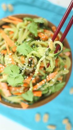 How to make a Thai-inspired salad using zucchini and carrots. dinner ideas healthy zucchini noodles Thai Carrot And Cucumber Noodle Salad Vegetarian Recipes, Cooking Recipes, Healthy Recipes, Healthy Cake, Healthy Meals, German Cucumber Salad, Carrot Salad Recipes, Zucchini Salad, Healthy Eating Recipes
