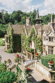 Castle Combe: The Most Beautiful Village in England Castle Comb<br> A look inside Castle Combe, often called the most beautiful village in England, complete with The Manor House, a five star country house hotel. Beautiful Buildings, Beautiful Homes, Beautiful Places, Beautiful Castles, Beautiful Beautiful, Inside Castles, English Manor Houses, English House, Castle Combe