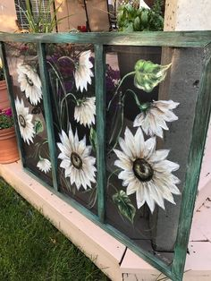 pane ideas sunflower Painted window screen, White sunflower , outdoor porch decor hand painted on window screen Painted Window Screens, Window Pane Art, Old Window Screens, Window Screen Crafts, Old Windows Painted, Painted Window Art, Old Screen Windows, Old Window Crafts, Window Paint
