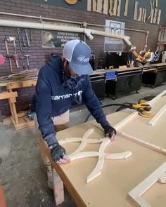 Do U ❤️ 🎥 & Build ? What can u make with pro & - How to Build a 🎥 ? ❤️ & with plans! – Discover The Secret Resource Of Professional Woodworkers Start Build Woodworking Projects Diy, Woodworking Techniques, Woodworking Videos, Woodworking Plans, Woodworking Logo, Rustic Wood Furniture, Diy Furniture, Furniture Plans, Diy House Projects
