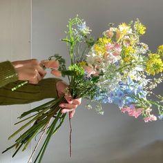 Nature Aesthetic, Flower Aesthetic, Aesthetic Fashion, Aesthetic Girl, My Flower, Beautiful Flowers, Fresh Flowers, Wild Flowers, Colorful Flowers