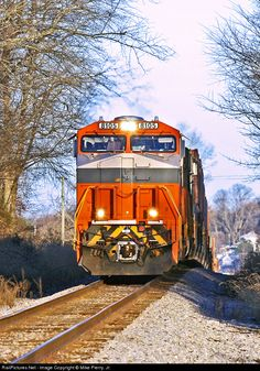 RailPictures.Net Photo: NS 8105 Norfolk Southern GE ES44AC at Meadowview, Virginia by Mike Pierry, Jr.