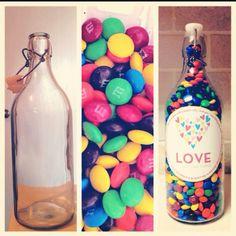 Resultado de imagen para botellas de vidrio decoradas para mi novio