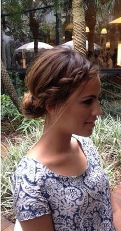 Coiffure : Un chignon simple pour une beauté naturelle - The Right Hair Styles Hairstyles Haircuts, Pretty Hairstyles, Braided Hairstyles, Blonde Hairstyles, Quick Hairstyles, Braided Updo, Braided Crown, Hair Day, New Hair