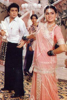 padmini kolhapure and rishi kapoor Bollywood Stars, Bollywood Theme, Bollywood Cinema, Vintage Bollywood, Indian Bollywood, Bollywood Fashion, Bollywood Actress, Padmini Kolhapure, Rishi Kapoor
