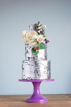 Gorgeous metallic wedding cake by Erin Bakes Metallic Cake, Metallic Wedding Cakes, Silver Cake, Unique Wedding Cakes, Beautiful Wedding Cakes, Gorgeous Cakes, Wedding Cake Designs, Pretty Cakes, Amazing Cakes