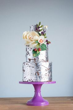 Metallic Textured Wedding Cake with Organically Placed Flowers | Erin Bakes | 2015 Wedding Cake Trends