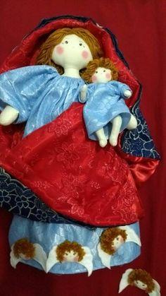Homenagem a Nossa Senhora do Rosário, confeccionada especialmente para a missa das crianças. Em Aracati - Ce.