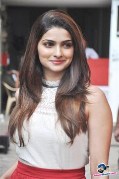 Prachi Desai at Mehaboob Studio Promoting Bol Bachchan Actress Anushka, Bollywood Actress, Prachi Desai Hot, Thing 1, Celebrity Look, Beautiful Indian Actress, Bollywood Celebrities, Hottest Models, Indian Beauty