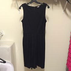 Black JCrew work dress Really comfortable JCrew black work dress with two pockets. In excellent condition as it was worn once. Cinches slightly at the waist. Thick material for good lasting quality. J. Crew Dresses Midi