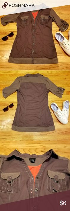 DayTrip 💟💟 Button Down Woman's shirt Sz M Worn only 2 or 3 times. NO STAINS OR RIPS. Please ask any questions if you need and any offers! Daytrip Tops Button Down Shirts