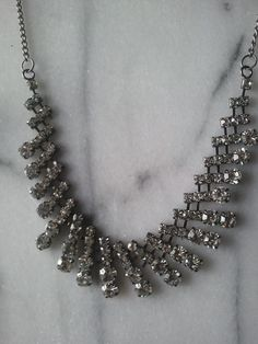 BUY IT NOW! Silver tone classy necklace resizable! $10.00