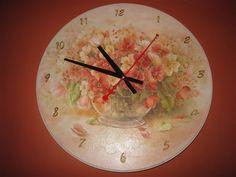 Декупаж - Сайт любителей декупажа - DCPG.RU | Часы Click on photo to see more! Нажмите на фото чтобы увидеть больше! decoupage art craft handmade home decor DIY do it yourself clock
