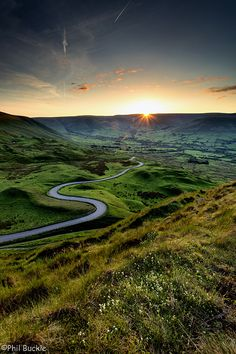 Road to Edale - Sun setting over Kinder Scout, taken from the slopes of Mam Tor, Derbyshire, England by Buckles Photos