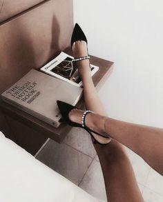 52 New Ideas Moda Femenina Outfits Ideas Heels Cute Shoes, Me Too Shoes, Shoe Boots, Shoes Heels, Mode Outfits, Luxury Shoes, Womens High Heels, Shoe Game, Ideias Fashion