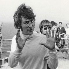 "John directing a sequence for The Beatles' 'Magical Mystery Tour' film at the Atlantic Hotel in Newquay,…"" The Beatles Live, John Lennon Beatles, John Lennon Film, The White Album, The Fab Four, Gretsch, Ringo Starr, Thomas Brodie Sangster, Paul Mccartney"