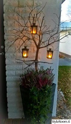 autumn, floral arrangements, patio flowers, lantern, k - Recycled Garden Ideas Christmas Planters, Outdoor Christmas, Christmas Decorations, Garden Art, Garden Design, Fall Flower Arrangements, Candle Lanterns, Candles, Fall Flowers