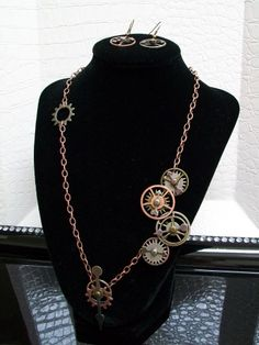 Steampunk Jewelry Set. Why is this stuff so dagum cool?! Love it all!