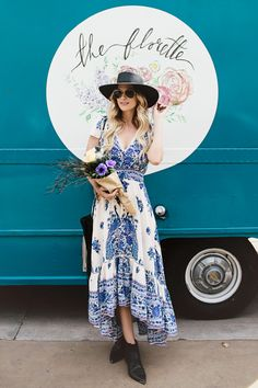 Dash of Darling is a personal style blog curated by Caitlin who shares her fashion finds, beauty tips, and decor favorites one photo at a time.