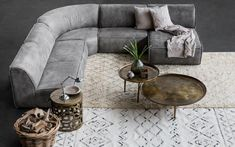 The new Modular Marconi sofa from Weylandts allows homeowners to combine various components to create a couch that fits perfectly into their living space. Living Room Plan, New Living Room, Living Spaces, Wicker Furniture, Furniture Decor, Modern Furniture, Furniture Design, Sofa Makeover, Canapé Design