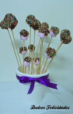 Dulces felicidades: Cake pops de bizcocho de chocolate y cheesecream