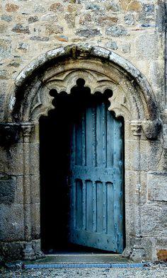 Door in La Martyre, Bretagne. France